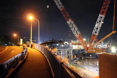 梅戸橋水戸駅向いて右、東南側の跨線橋を架設