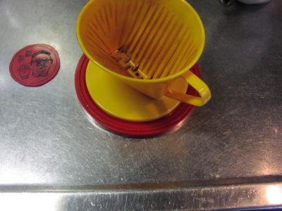 ウエイパーの蓋で作る広口マグカップ用アダプタ。